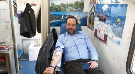 Έδωσε και ο ίδιος αίμα