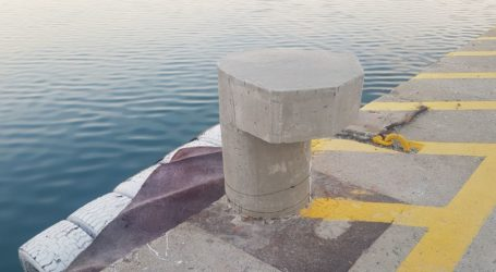 Καινούργιες δέστρες στο λιμάνι του Βόλου