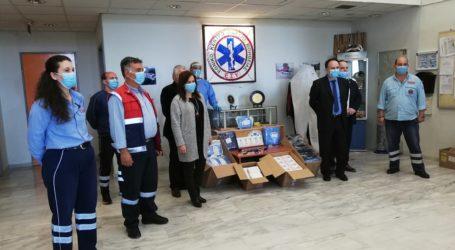 Κορωνοϊός: Υγειονομικό υλικό στο ΕΚΑΒ του Βόλου χάρισε το Επιμελητήριο Μαγνησίας [εικόνες]