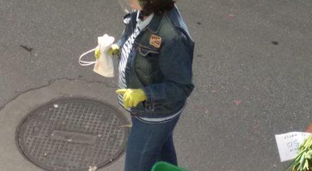 Βόλος: Με κράνος και γάντια στη λαϊκή αγορά! [εικόνες]
