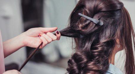 Πόσο πάει το μαλλί; Μήνυση σε Λαρισαία κομμώτρια που χτένισε πελάτισσά της στο σπίτι