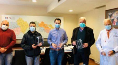 300 τρισδιάστατα εκτυπωμένες προστατευτικές μάσκες προσώπου παραδόθηκαν σήμερα στην 5η ΥΠΕ