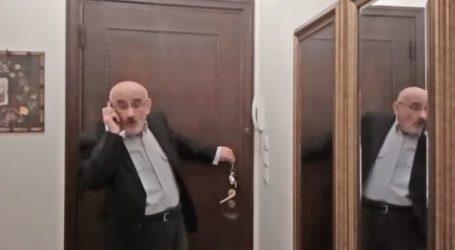 """Άπλετο γέλιο στην ποντιακή διαφήμιση για τη …""""Κορόνας ο ιόν"""" με πρωταγωνιστή τον Λαρισαίο ηθοποιό Τάκη Βαμβακίδη (βίντεο)"""