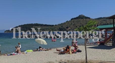 Γέμισαν οι παραλίες του Βόλου το μεσημέρι της Κυριακής – Φωτορεπορτάζ