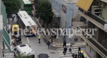 Βόλος: Κυκλοφοριακό χάος στην Κ. Καρτάλη – Τεράστιες «ουρές» από χαλασμένο λεωφορείο [εικόνες]