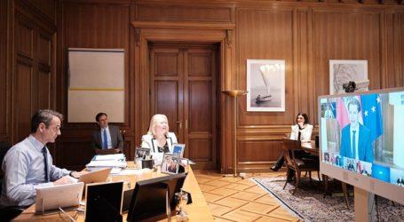 Τηλεδιάσκεψη Μητσοτάκη με τους ηγέτες επτά χωρών που κερδίζουν τη μάχη με την πανδημία