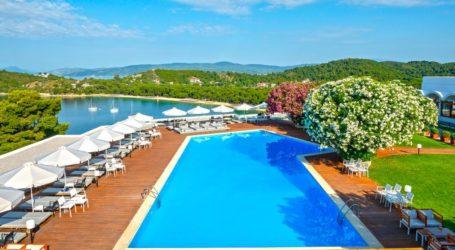Τουρισμός: Ανοίγουν 15 Ιουνίου τα εποχικά ξενοδοχεία – Δειγματοληπτικά τεστ στους τουρίστες