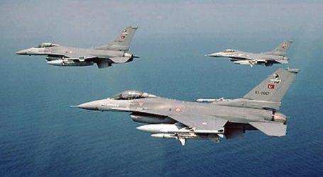 Τουρκικά αεροσκάφη πέταξαν πάλι πάνω από τις Οινούσσες