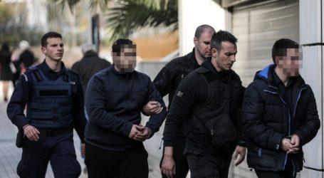 Ο Αλβανός κατηγορούμενος ρίχνει το φταίξιμο στον 23χρονο Ροδίτη