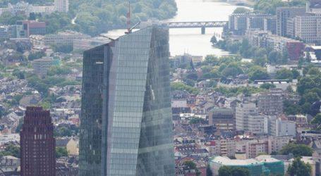 Η ΕΚΤ δηλώνει πιο αποφασισμένη από ποτέ να βοηθήσει την οικονομία της Ευρωζώνης