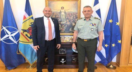 Συνάντηση του Αρχηγού ΓΕΕΘΑ με τον πρόεδρο του ΕΚΑΒ