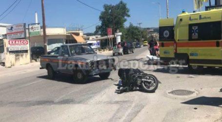 Σφοδρή σύγκρουση μοτοσυκλετιστή με αγροτικό στη Λαμία