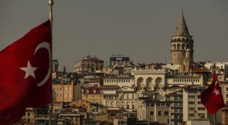 Οι αρχές έθεσαν υπό κράτηση 38 ανθρώπους, ανάμεσά τους και έναν επικεφαλής του φιλοκουρδικού HDP