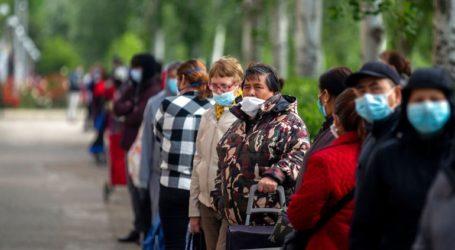 Ισπανοί σχηματίζουν ουρές για να προμηθευτούν τα είδη πρώτης ανάγκης