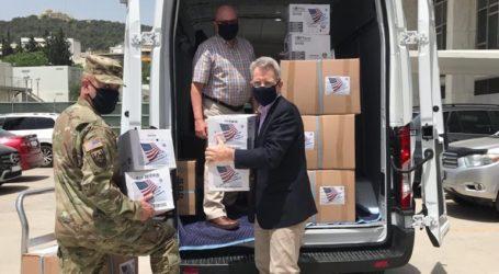 Η ΕΛ.ΑΣ. παρέλαβε υγειονομικό υλικό από την Πρεσβεία των ΗΠΑ στην Αθήνα