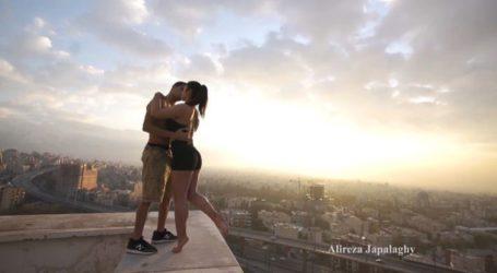 Χειροπέδες σε αθλητή του παρκούρ επειδή… φίλησε μια κοπέλα