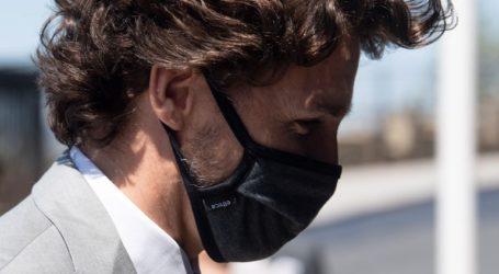 Ο Τζάστιν Τριντό φοράει τη μάσκα, όταν είναι απαραίτητο