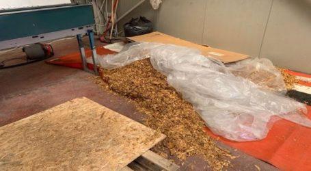 Εργοστάσιο παραγωγής λαθραίου καπνού εντόπισε η ΕΛ.ΑΣ. στο Λαύριο