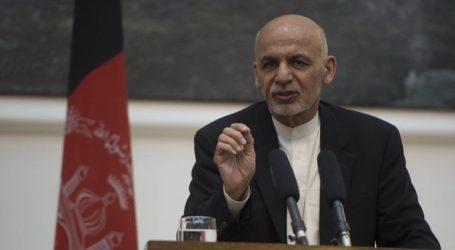 Ο πρόεδρος Ασράφ Γάνι δέχεται την πρόταση εκεχειρίας των Ταλιμπάν