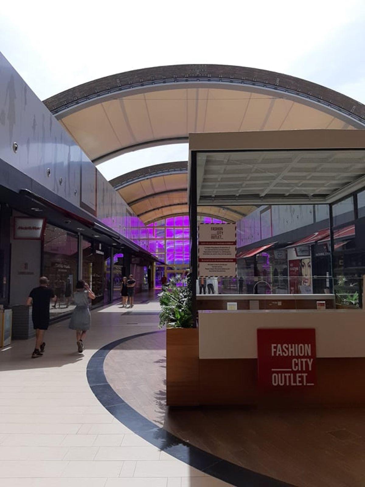 Fashion City Outlet: Μετά τα εμπορικά καταστήματαανοίγουν και οι χώροι εστίασης