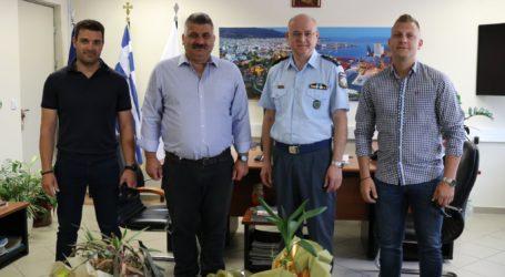 Οδική ασφάλεια και τοπικός αστυνόμος στη συνάντηση Μιτζικού – Αλεξάκη