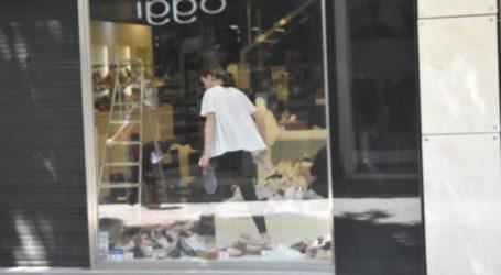 Τελευταίες ετοιμασίες στην αγορά της Λάρισας ενόψει Δευτέρας – Με αποστειρωτές στα καταστήματα ρούχων! (φωτό)