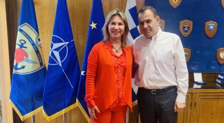 Εποικοδομητική συνάντηση της Ζέττας Μακρή με τον ΥΕΘΑ για την εξομάλυνση της ιεραρχίας των ΑΣΣΥ  στο στράτευμα