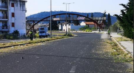 Βόλος: Ξεκίνησαν οι εργασίες αποψίλωσης χόρτων από την υπηρεσία Πρασίνου [εικόνες]
