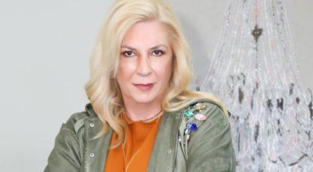Η Δήμητρα Λιάνη Παπανδρέου έκοψε τα μαλλιά της à la garçonne