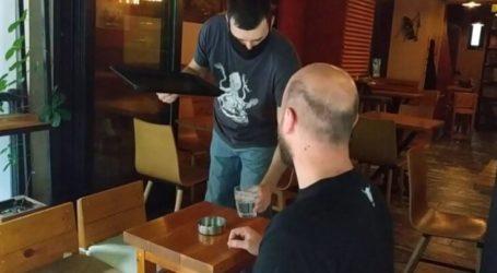 Ήρθε η ώρα: Έτσι απολαμβάνουν οι Λαρισαίοι τον καφέ τους από σήμερα – Δείτε τα βίντεο