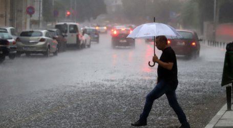 Ασταμάτητη βροχή από χθες το απόγευμα στον Βόλο – Η πρόβλεψη του καιρού για σήμερα
