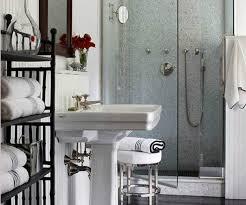 Νικολακάκης: Πώς να διαλέξω τι πλακάκια να βάλω σε μικρό μπάνιο;