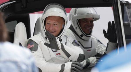 Δείτε τώρα ζωντανά την εκτόξευση του διαστημόπλοιου της SpaceX του Ελ. Μασκ