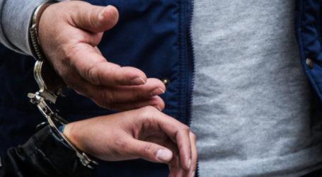 Χειροπέδες σε Βολιώτη φυγόποινο για κλοπή και ενδοοικογενειακή βία