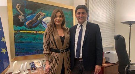 Σε χρόνο ρεκόρ η υπογραφή Αυγενάκη για την ανακατασκευή αθλητικών εγκαταστάσεων στην Ελασσόνα