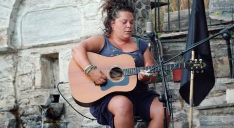 Στις Σταγιάτες για συμπαράσταση στους κατοίκους η τραγουδίστρια Ματούλα Ζαμάνη – Δείτε το τραγούδι που ανέβασε