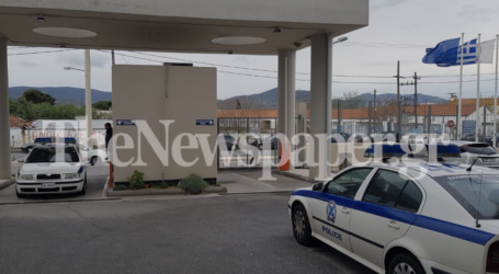 Νέες προσαγωγές για τα επεισόδια στην ΑΓΕΤ – Εντοπίστηκε ο νεαρός που χτύπησε τον Αστυνομικό Διευθυντή