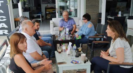 Στη Σκιάθο, την πρώτη μέρα ανοιγματος της τουριστικης σεζόν, η Κατερίνα Παπανάτσιου