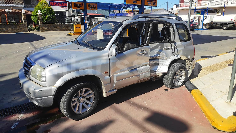 Λάρισα: Λεωφορείο συγκρούστηκε με τζιπ στην οδό Βόλου – Δείτε φωτογραφίες