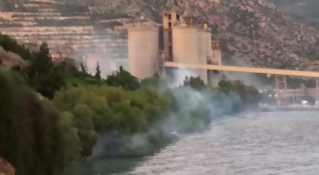 Έπνιξαν στα δακρυγόνα την πορεία κατά της ΑΓΕΤ [εικόνες]