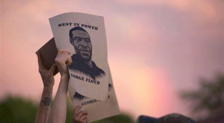 Βόλος: Πικετοφορία της ΚΝΕ για τη δολοφονία του George Floyd