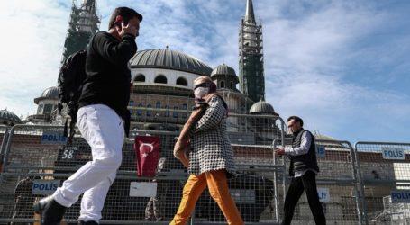 Η Τουρκία επιστρέφει στην κανονικότητα, ενώ μειώνονται τα κρούσματα Covid-19