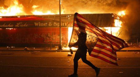 Διαμαρτυρίες, εξεγέρσεις και φυλετικός πόλεμος