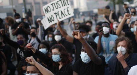 Χιλιάδες διαδηλωτές κατήγγειλαν την αστυνομική βία
