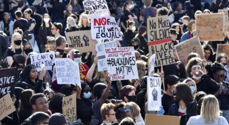 Η Σουηδία καλεί τους πολίτες που θέλουν να διαμαρτυρηθούν να το κάνουν μέσω διαδικτύου