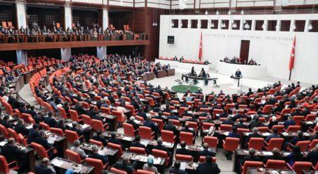 Καθαιρέθηκαν τρεις βουλευτές στην Τουρκία