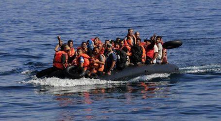 Βάρκα με 32 πρόσφυγες και μετανάστες έφτασε στην παραλία Παλιός