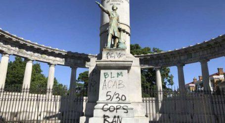 Καταστροφές σε μνημεία που τιμούν τη λευκή υπεροχή