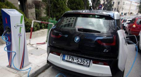 Χατζηδάκης: Stop στα παλαιά αυτοκίνητα
