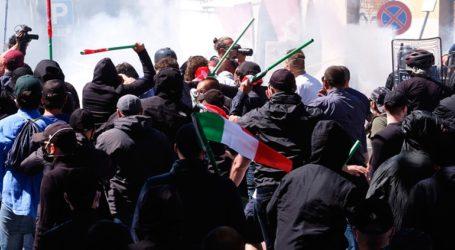 Επίθεση νεοφασιστών κατά δημοσιογράφων και αστυνομικών